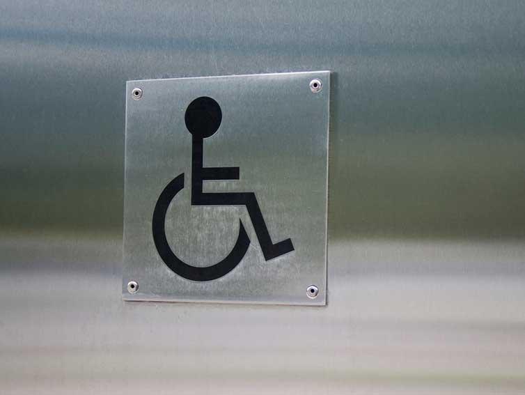 servicio de personas que presentan algún tipo de discapacidad